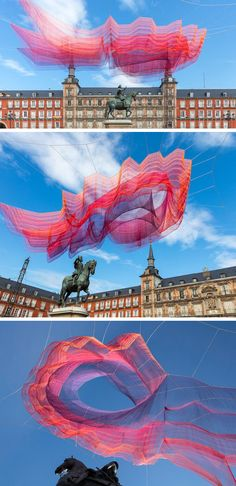 Artist Janet Echelman has created a fiber art installation that's suspended over the Plaza Mayor in Madrid.