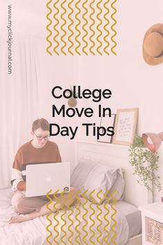 college move in day | move in guide for college | uni move in | college movein day - moving into college dorms guide - dorm move in tips University Organization, College Dorm Organization, College Freshman Tips, College Dorm Rooms, Diy Dorm Decor, Dorm Decorations, College Bucket List, Dorm Room Themes, Cool Tapestries