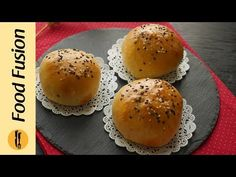 Yummy center filled chicken buns recipe for you today. So make it, share it and enjoy it. Chicken Buns, Bun Recipe, Fusion Food, Instant Yeast, Bread And Pastries, Pizza Recipes, How To Cook Chicken, Tray Bakes, Cheddar Cheese