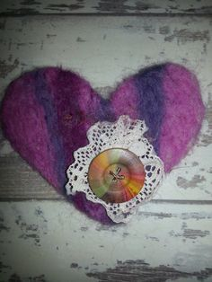 Jazzy handmade felt brooch with lace.