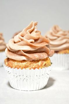 These cinnamon roll cupcakes are made with Pillsbury Cinnamon Rolls and topped with a cinnamon cream cheese frosting swirled with extra cinnamon and sugar!