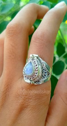Poison Ring, Rainbow Moonstone Ring, Vintage Rings, Silver Rings, Trending Outfits, Unique Jewelry, Box, Handmade Gifts, Etsy