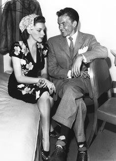 Judy Garland & Frank Sinatra <3 1946. Omg, I may have to get this blown up and put in a frame. I love. love. love. love.