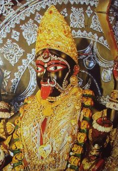 "'Maa Bhavatarini' [Goddess Kali -""Divine Mother of the Universe""] at Dakshineshwar Kali Temple [दक्षिणेश्वर काली मन्दिर] located on the eastern bank of the Hooghly River in Dakshineswar, near Kolkata, West Bengal, India Durga Puja Wallpaper, Maa Wallpaper, Wallpaper Quotes, Radha Krishna Temple, Hindu Temple, Mother Kali, Divine Mother, Durga Maa, Shiva Shakti"
