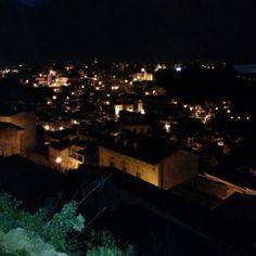 Vista notturna di Ibla dal Giardino sul Duomo!