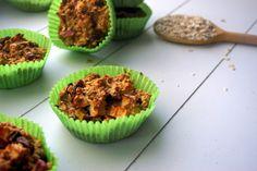 Havermout ontbijt muffins met appel en kaneel :http://lifestyledishbymaris.nl/havermout-ontbijt-muffins-met-appel-en-kaneel/