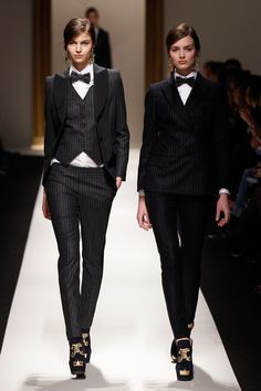 Moschino 2013-2014 fall/winter fashion show #moschino #fashion - I love women in suits, I think it's so classy