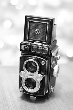 i love me some vintage viewfinder cameras