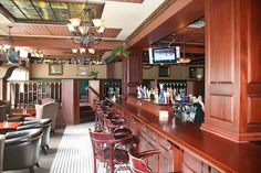 Pull up a seat  and enjoy a pint at the Earl of Sussex (Photo: Paellaking). And click to check out the list of awesome bars in Ottawa. #Ottawa ON