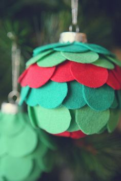 DIY Felt Ornaments - use cheap ornaments and small circles of felt to make these fun ornaments.