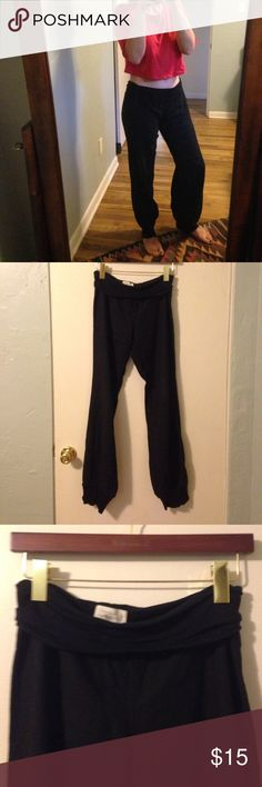 """Linen pants Linen pants with cotton since bottoms and in overlapping top. Incredibly cozy but a little too big for me. Waist width 16"""". Inseam with cuff unfolded 33"""". Small but more like s/m. Pants Track Pants & Joggers"""