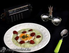 Petrezselymes krumplifőzelék Pancakes, Oatmeal, Breakfast, Food, The Oatmeal, Morning Coffee, Rolled Oats, Essen, Pancake