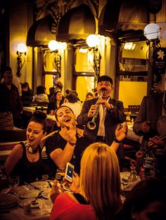 typically lively restaurant in Çiçek-Passage #Istanbul • great photo by Conrad Piepenburg • one block away from pera!place holiday apartment http://istanbulplace.com/apartments/pera-place/