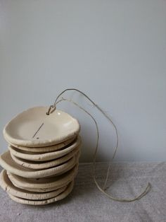 10 little plates with drawn numbers 1 to 10 with little door LUKKILI