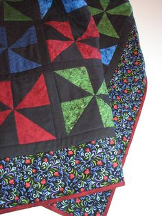 AmishInspired Pinwheel Quilted Throw by VillageQuilts on Etsy, $150.00
