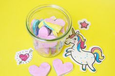 DIY dough soap you can make yourself with only 3 ingredients and as a cheap DIY gift. - Make Up Desk Diy Donut, Diy For Kids, Crafts For Kids, Diy Gifts Cheap, Diy And Crafts, Arts And Crafts, Advent Candles, Diy Origami, 4th Birthday Parties