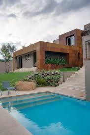 Resultado de imagem para plantas de casas em terreno de declive com  piscina