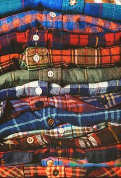 I respect flannel so much that I regualry wear it to funerals as a way to pay respect to the deceased. I run wind sprints in flannel, . Tie Dye Shirts, T Shirt Yarn, Cut Shirts, T Shirt Diy, Flannel Shirts, Plaid Flannel, Fall Plaid, Neo Grunge, Grunge Style
