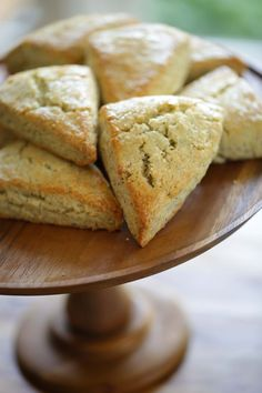Lemon Poppy Seed Scone Recipe. A great breakfast treat for a summer brunch menu #BrunchRecipes #Brunch #EasyBrunchRecipes