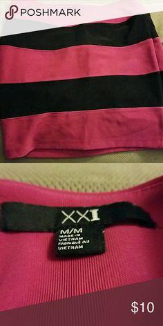 mini skirt Used :Super cute black and magenta mini skirt 95% polyester.   5% elastane xxi Skirts Mini