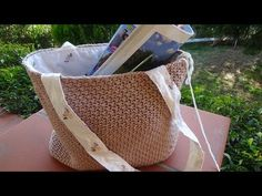 Τσάντα πλεκτή απο το πάτο μέχρι επάνω! - YouTube Crochet Videos, Bag Accessories, Reusable Tote Bags, Boho, Knitting, Creative, Trapillo, Tejidos, Tricot