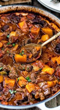 "One~pot Vietnamese Beef Stew. Mmm, this sounds like a ""very interesting, different from the regular"" stew! One~pot Vietnamese Beef Stew. Mmm, this sounds like a ""very interesting, different from the regular"" stew! Meat Recipes, Slow Cooker Recipes, Asian Recipes, Dinner Recipes, Cooking Recipes, Healthy Recipes, Ethnic Recipes, Recipies, Beef Stew Slow Cooker"