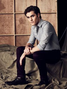 Famous In Love Charlie DePew Image 3 (18)