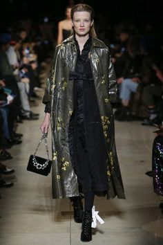 http://www.vogue.com/fashion-shows/fall-2016-ready-to-wear/miu-miu/slideshow/collection