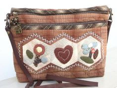 Cute little pouch by STORY QUILT, via Flickr