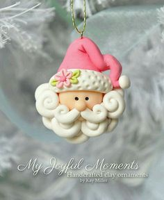 This is s one of a kind, handcrafted Santa ornament made of durable polymer clay, with much attention given to detail and careful construction. (Im a big fan of this clay artist) Polymer Clay Kunst, Fimo Clay, Polymer Clay Projects, Polymer Clay Creations, Clay Beads, Crea Fimo, Polymer Clay Ornaments, Polymer Clay Christmas, Christmas Crafts