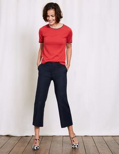 We've updated our crop trouser with a wider leg and a seriously improved fit. The tailored design (made from power stretch cotton-elastane) has slim pockets and a neat waistband for a flattering fit. Choose from classic shades and pair with strappy sandals to show off the cropped length.