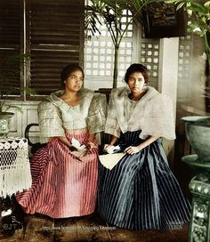 """""""Schoolgirls in native dress – upper garment is made of hemp gauge, Manila, Philippines, early century"""" Image source: H. White Company @ John Tewell Colorized by E. Philippines Fashion, Philippines Culture, Manila Philippines, Philippines People, Filipino Art, Filipino Culture, Chinese Culture, Filipino Fashion, Asian Fashion"""