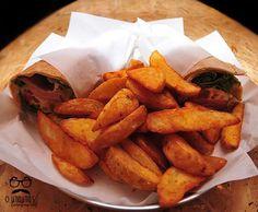 Ο Μπαμπάς. All day Cafe-Bar. Φαλήρου 53, Κουκάκι. ompampas.gr. Αραβική πίτα με απάκι.