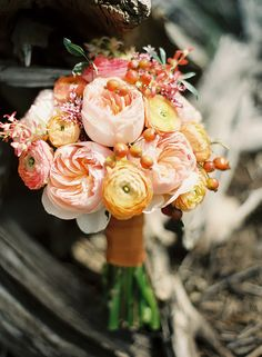 if anyone knows what flowers are in this (other than the ranunculus) I'd appreciate it!