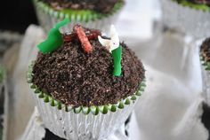 garbage truck worm cupcakes