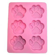 Moule à gâteau pattes de chat  http://www.homelisty.com/cadeaux-deco-amoureux-chats/