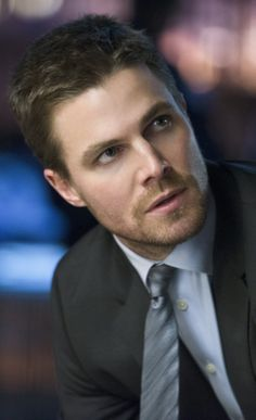 """Arrow - - """"Deathstroke"""" - Stephen Amell as Oliver Queen Oliver Queen Arrow, Tommy Merlyn, Dc Comics, David Ramsey, Stephen Amell Arrow, Arrow Tv, Arrow Cast, Oliver And Felicity, Superhero Series"""