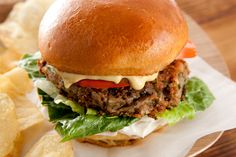 A Vegan Black-Eyed Pea Burger with Mushrooms. And your very own homemade raw-vegan mayo! Black Eyed Peas, Recipes With Vegetable Oil, Delicious Vegan Recipes, Healthy Recipes, Pea Recipes, Dishes Recipes, Soy Sauce, Vegan Vegetarian, Gourmet
