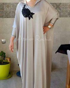 Abaya Fashion, Kimono Fashion, Modest Fashion, Mode Abaya, Mode Hijab, Abaya Style, Kurta Designs, Caftan Gallery, Morrocan Dress