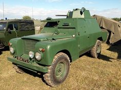 found by m kennedy Army Vehicles, Armored Vehicles, Land Rover Off Road, Best 4x4, Expedition Vehicle, Land Rovers, British Army, Station Wagon, Land Rover Defender