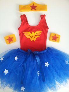 Easy version of Wonder Woman Wonder Woman Birthday, Wonder Woman Party, Tutu Costumes, Diy Halloween Costumes, Fantasy Party, Superhero Birthday Party, Hero Girl, Halloween Disfraces, Cute Dresses