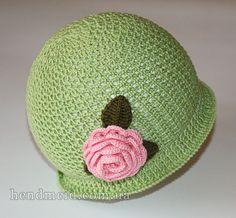 зеленая шляпка с розочкой