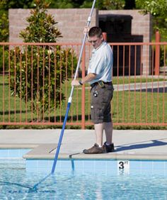 Tips On Cleaning A Salt Water Pool