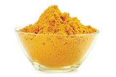 Tumeric Masks - should work with turmeric essential oil as well as powder - also use as face cleanser, acne cure, anti-aging treatment, to even skin tone and remove under eye discoloration Beauty Care, Beauty Skin, Beauty Hacks, Diy Beauty, Anti Aging, Turmeric Face Mask, Ras El Hanout, Beauty Recipe, Skin Care