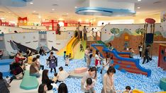 For those days when it's too hot, rainy or cold to blow off steam outside, good indoor play areas and activities are essential for kids. One such place that has recently been renovated and is proving to be a favorite place to disappear from the heat with the kids for a few hours is Asobono at Tokyo Dome City.
