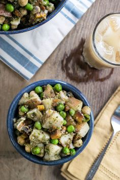 Instant Pot Indian Potato Salad Recipe with Idaho Potatoes This Instant Pot Indian Potato Salad is a complete summer meal in itself. I make it ahead of time, then eat it cold straight from the fridge! Potato Salad Recipe Easy, Easy Potato Recipes, Vegan Recipes Easy, Vegetarian Recipes, Tofu Recipes, Free Recipes, Mini Hamburgers, Halloumi, Salads