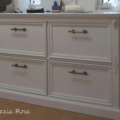 フレンチな 壁面収納 作り方 DIY | DIYでシャビーシックなインテリア&ガーデニング Decor, Furniture, Home, Interior, Diy And Crafts, Drawers, Diy Drawers, Home Decor