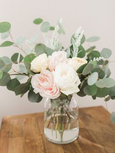 Who else loves having fresh flowers in their home? Garden Roses and Silver Dolla. Who else loves having fresh flowers in their home? Garden Roses and Silver Dollar Eucalyptus is one of our favorite comb. Bridal Shower Flowers, Bridal Shower Centerpieces, Diy Centerpieces, Silk Flower Centerpieces, Farmhouse Table Centerpieces, Bridal Showers, Pretty Flowers, Fresh Flowers, Exotic Flowers
