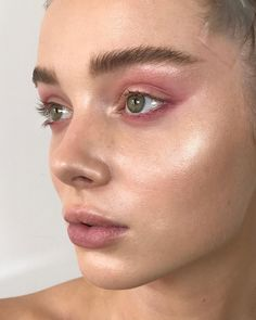 "5,182 Likes, 48 Comments - Nikki_Makeup (@nikki_makeup) on Instagram: ""Skin focus on beautiful @hambrink using @maccosmeticsuk Strobe cream, @sensaibeauty glowing base,…"""