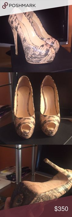 GIUSEPPE ZANOTTI PUMPS Worn a handful of times- plenty of wear left Giuseppe Zanotti Shoes Heels